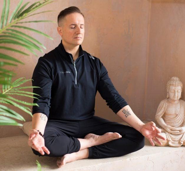 Bodhi Batista Meditating