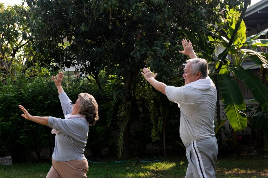 2 people doing qigong for anxiety.